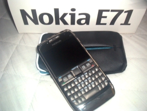 Nokia E71 and Nokia CP-265 pouch