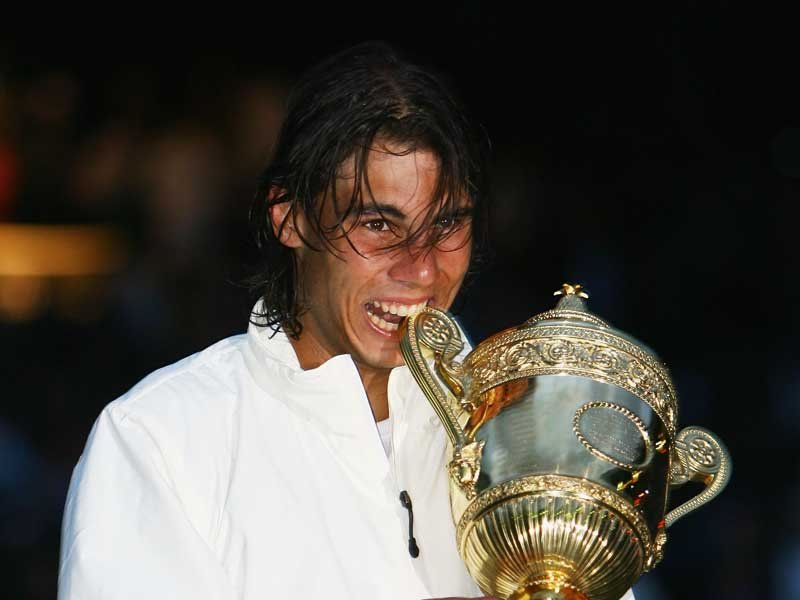 http://blinkthinks.files.wordpress.com/2008/07/rafael-nadal-wimbledon-trophy_1009071.jpg